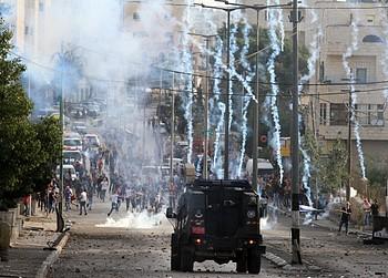 Clashes near Rachel's Tomb, Bethlehem.