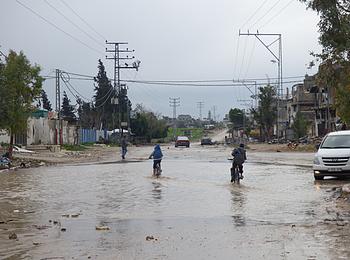 فيضانات في غزة خلال عاصفة الشتاء في منطقة الشجاعية، كانون الثاني/يناير 2015,تصوير مكتب تنسيق الشؤون الإنسانية