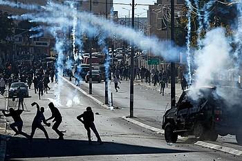 עימותים בין כוחות ישראליים לפלסטינים בהקשר של הפגנת מחאה נגד הכרזת ארצות הברית בדבר ירושלים, העיר בית לחם, דצמבר 2017 / © צילום: אחמד מזהר – WAFA