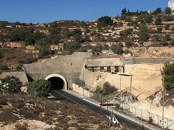 מנהרה חדשה בבנייה לאורך כביש 60, נפת בית לחם (ספטמבר 2019) / © צילום: משרד האו״ם לתיאום עניינים הומניטריים