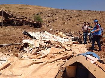 אומדן צרכים שבוצע בעקבות הריסה בקהילת ח׳רבת ראס אל־אחמר שבצפון בקעת הירדן, 30 ביולי 2019 / © צילום: משרד האו״ם לתיאום עניינים הומניטריים