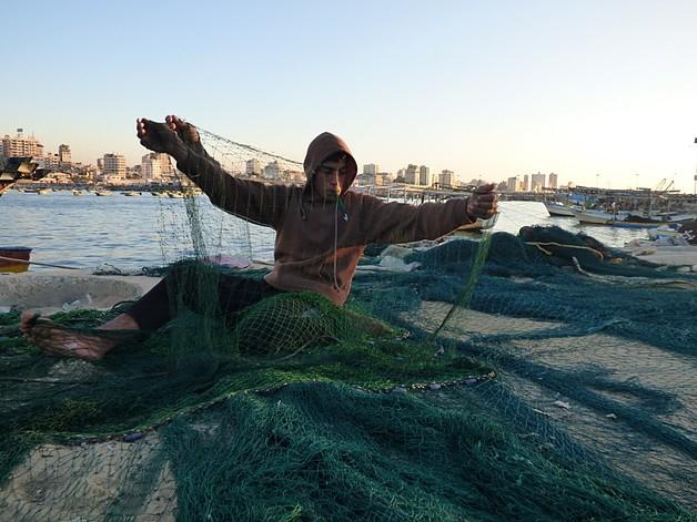 Fisherman in Gaza, March 2015. © Photo by OCHA