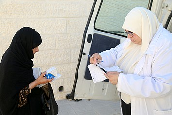 Mobile clinic services, September 2017. © UNRWA photo by: Iyas Abu Rahmeh