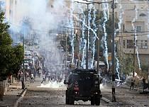اشتباكات عند المدخل الشمالي لمدينة بيت لحم (قبر راحيل)، 13 تشرين الأول/أكتوبر 2015. تصوير أحمد مظهر.