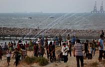 مظاهرة نظّمها فلسطينيون على الشاطئ قرب السياج إحتجاجًا على الحصار البحري، أيلول/سبتمبر 2018  © - تصوير أشرف عمرة