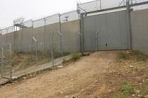 بوابة بديلة يستخدمها مزارعو عزبة سلمان. تصوير مكتب تنسيق الشؤون الإنسانية