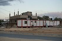 بيوت متنقلة كان من المقرر استخدامها كمدرسة أساسية، ولكن صادرتها السلطات الإسرائيلية في خربة جب الذيب (بيت لحم)، آب/أغسطس 2017، تصوير شادية سليمان