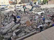 هدم بناء مؤلف من ثلاث طوابق في قرية العيسوية (القدس الشرقية) في الأول من أيار/مايو. تصوير مكتب الأمم المتحدة لتنسيق الشؤون الإنسانية (أوتشا)
