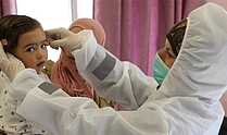 Medical check-up at the UNRWA Bethlehem Health Centre. © Photo by UNRWA