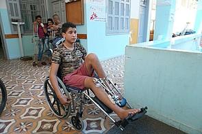 Injured Palestinian boy treated at MSF rehabilitation centre, Gaza City. © Photo by OCHA