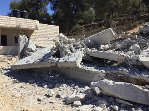 Demolition of under-construction home in Beit Ummar (Hebron), 3 October, 2019. Photo by OCHA