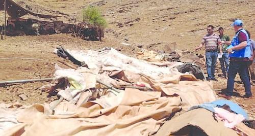ستة مساكن وخيام تمولها الجهات المانحة في خربة رأس الأحمر (طوباس) في 30 يوليو. تصوير مكتب الأمم المتحدة لتنسيق الشؤون الإنسانية ( أوتشا)