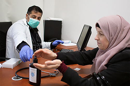 مركز الأونروا الصحي في القدس. تصوير لويز ووترريدج